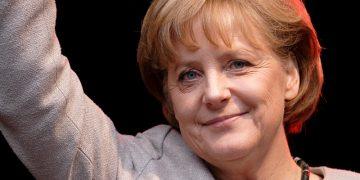 Ангела Меркел, Канцеларка на Сојузна Република Германија од 2005 година.