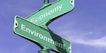 Зелената економија е свртена кон постигнување еднаквост и социјална правда.