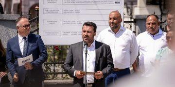 Премиерот Заев одговара на новинарски прашања при постатат на Шуто Оризари, извор: фото-сервис на Владата на Северна Македонија