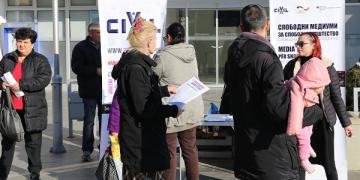 Од архивата на ЦИВИЛ: инфо штанд во Штип, ноември 2017 година