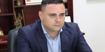 """За комуникацијата и соработката со Владата, Митко Јанчев, градоначалник на Кавадарци, вели: """"За волја на вистината, по година и седум месеци од мојот мандат, имаме супер релации и супер соработка. Тоа морам вака конкретно и јасно да го кажам, без да го политизирам."""" / фотографија: М. Ивановска/ЦИВИЛ"""