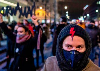 Протести во Варшава, 27 јануари 2021, по објавата на полската влада за речиси тотална забрана на абортусот.