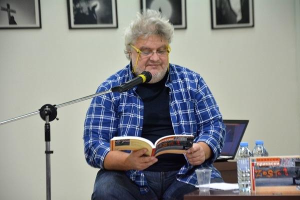 Авторот Синиша Станковиќ
